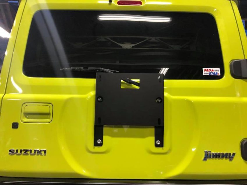 新型ジムニーのスペアタイヤ移動キット!